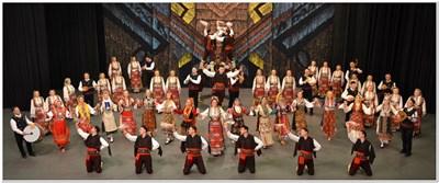 """Танцьорите от ансамбъл """"Пирин"""" превърнаха годишнината в истински празник в зала 1 на НДК."""