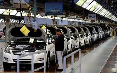 Финален тест на поточна линия на VW в основния им завод във Волфсбург. В момента концернът търси място за 42-ия си завод. СНИМКА: СНИМКА: РОЙТЕРС