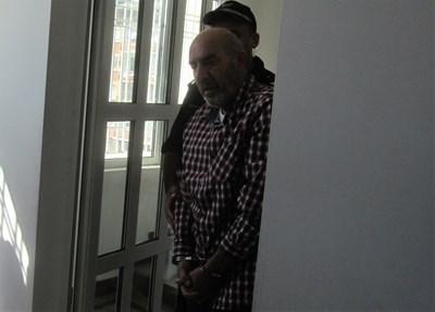 Водят Веселин Иванов в съда