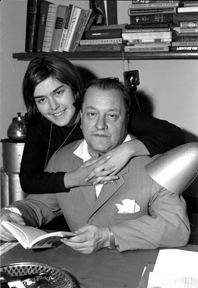 Андрей Гуляшки с дъщеря си Светла