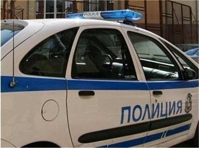 Иззеха незаконни пушки от кола в Сливен СНИМКА: Архив
