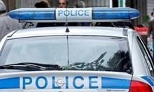 Мъж наряза ръцете на жена си при семеен скандал в Нова Загора, задържаха го