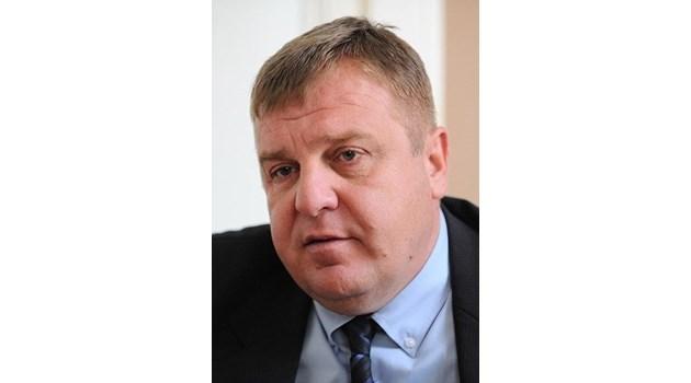 Оттеглям се като вицепремиер, ако Борисов и Радев си подадат ръка за експертен кабинет