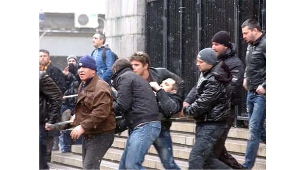 Мъже от обкръжението на простреляния Златомир: Бивш командос поръча Златко