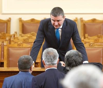 Финансовият министър Владислав Горанов отговори на депутатски въпроси в петъчния блиц контрол. СНИМКА: Йордан Симeонов