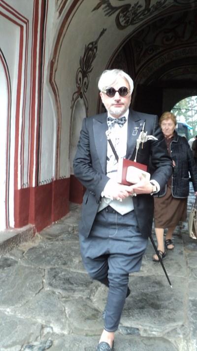 Любомир Милчев - Денди пристигна за панихидата в Рилския манастир. СНИМКА: Антоанета Маскръчка