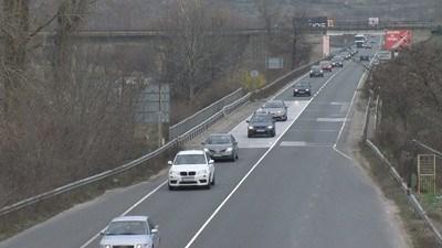 Вижте състоянието и ограниченията по пътищата към 17,30 часа