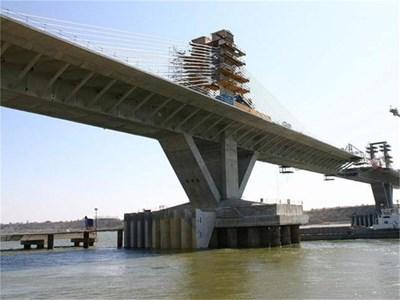 Така изглежда Дунав мост 2 на 26 март тази година при инспекцията, която направиха министрите Ивайло Московски и Томислав Дончев. СНИМКА: БУЛФОТО