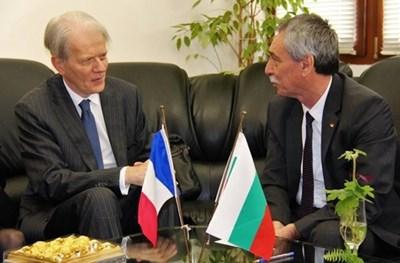 Ректорът проф.Христо Бонджолов разговаря с посланик Льобедел