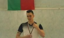 За първи път в историята българин плува 200 м гръб под 2 мин.