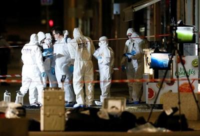 Деветдесет полицейски следователи, подкрепяни от 30 лабораторни експерти, както и двайсетина детективи от местната полиция издирват мъжа. Снимка РОЙТЕРС