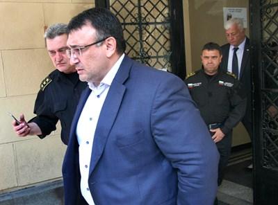 Вътрешният министър бе в Пловдив, за да се запознае на място с обстановката СНИМКА: Евгени Цветков
