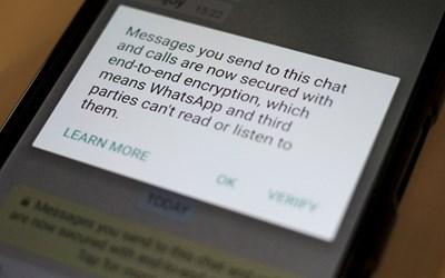 Комуникацията в WhatsApp е криптирана, но излизайки от апликацията, разговорите на заговорниците веднага са били прехванати. СНИМКА: РОЙТЕРС