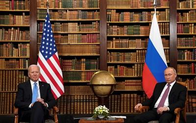 Джо Байдън и Владимир Путин в Женева СНИМКА: РОЙТЕРС