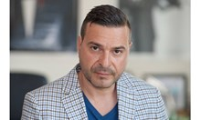 Ядоса ли Слави Ангелов футболни хулигани с публикации за войната между Васил Божков и братята Найденови?