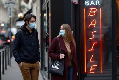 Рекорден брой новозаразени във Франция СНИМКА: Ройтерс