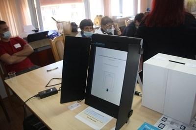 27,6% избирателната активност в Ловешка област към 16 часа