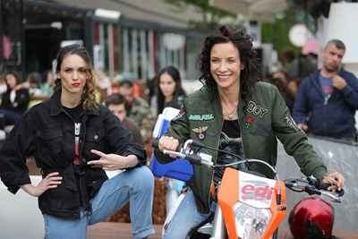 Луиза Григорова и Яна Маринова са в главните роли.