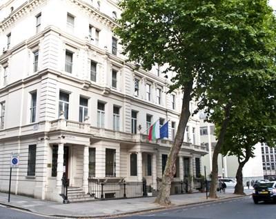 Сградата на българското посолство в Лондон