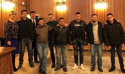 Зам.-председателят на БСП Кирил Добрев и зам.-шефката на червената група Весела Лечева на конференцията в Сухиндол в понеделник.