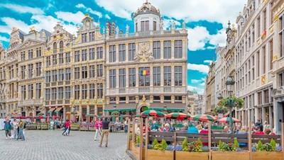 От утре баровете и кафенетата в Брюксел ще работят до 23 часа като част от нови ограничителни мерки за борба с коронавируса.