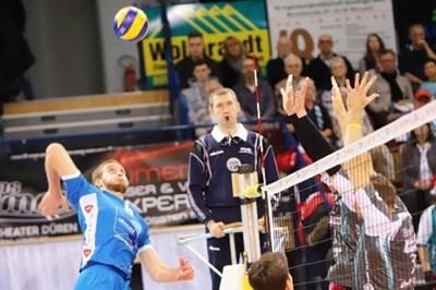 Трифон Лапков (вляво) прави много силен сезон в Холандия.
