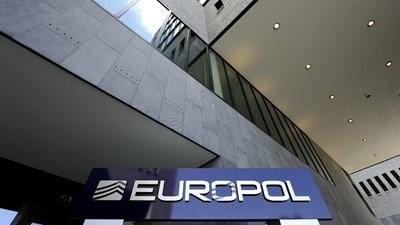 Европол предупреди за риск от измами, свързани с ваксини срещу COVID-19