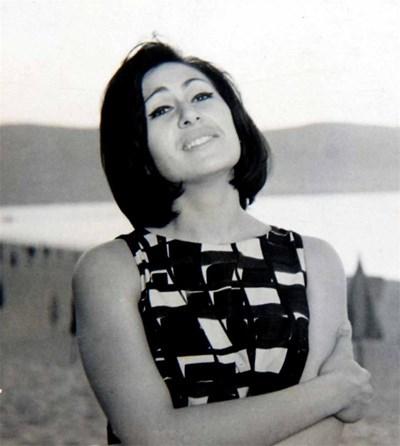 """Йорданка Христова не е изхвърлила роклята, с която изпя """"Песен моя, обич моя""""."""
