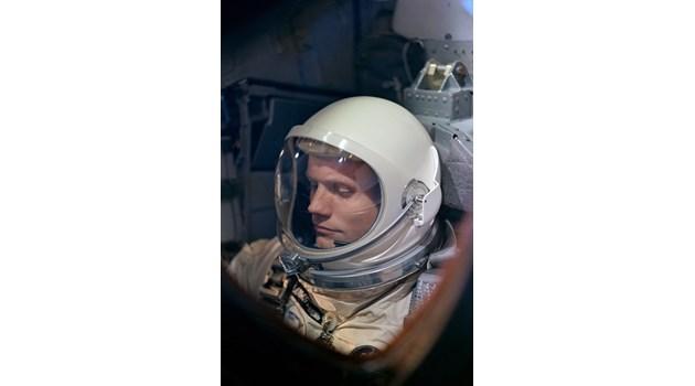Легендарното хладнокръвие на Нийл Армстронг