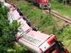 Влак дерайлира в Камерун, над 60 мъртви