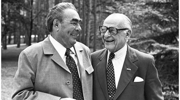Менторът на Робърт Максуел е тайнственият милиардер на Ленин