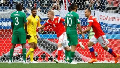 Газински миг след като вкара първия гол на световното. Снимки РОЙТЕРС
