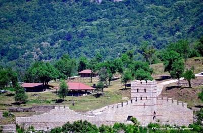 Археолози май попаднаха на синагога в крепостта Трапезица