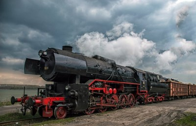 Само два парни локомотива от тази серия са все още в движение
