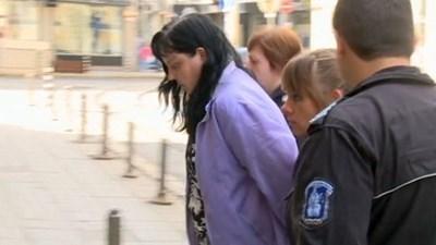 Днес продължава делото срещу акушерката Емилия Ковачева, обвинена в опит за убийство на 4-дневната тогава Никол. СНИМКА: 24 часа