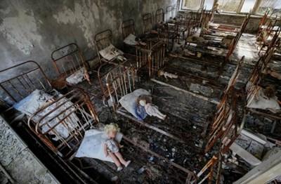 Откриха машина, събирала графит край Чернобил. Експерт: Допир до нея е смъртоносен (Видео)