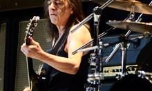 Малкълм Йънг от AC/DC  почина на 64 г. (Обзор)