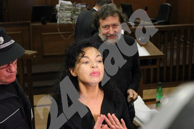 Евгения Банева в съда СНИМКИ: Благой Кирилов СНИМКА: 24 часа