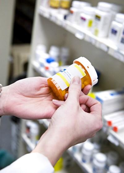Лекарствата, които се дават при състрадателно лечение, са на финален етап от клиничното си проучване или чакат да получат разрешение за употреба.