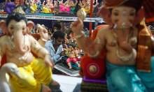 Индия празнува  Ганеша Чатурти – празникът , посветен на Бога на щастието