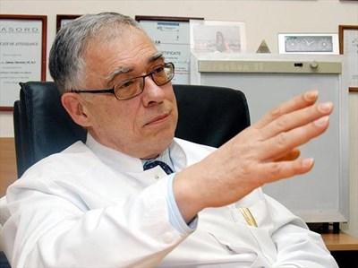 Доц. Георги Георгиев, Клиника по физиотерапия на ВМА СНИМКА: ГЕРГАНА ВУТОВА