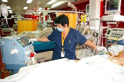 """Около 90% от пациентите на """"Пирогов"""" постъпват по спешност и се нуждаят от интензивно лечение."""