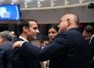 Борисов в разговор с президента на Франция Макрон. Снимки Фейсбук/Бойко Борисов
