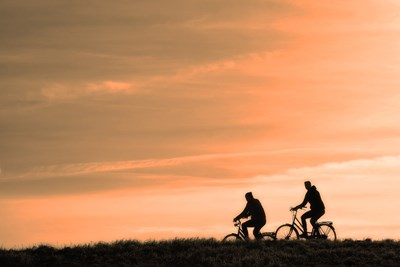 Бързо ходене или каране на велосипед по половин час три пъти седмично може да забави настъпването на деменция при хората над 60 години СНИМКА: Pixabay