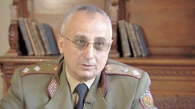 Ген.-майор д-р Груди Ангелов, началник на Военната академия: Имаме 230% ръст в приема на студенти