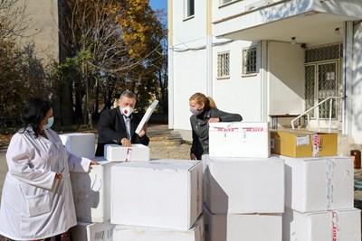 Посолството на САЩ дари 7 хил. PCR теста на България