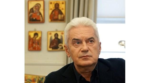 Волен Сидеров: Ако бях на мястото на Борисов, щях да сменя всички министри