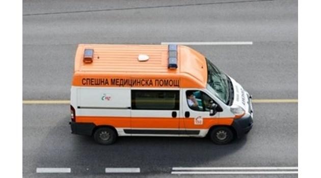 """Двама загинаха при катастрофа на пътя Варна - Бургас преди курорта """"Камчия"""" (Обновена)"""