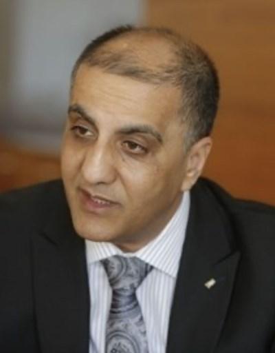 Д-р Ахмед ал Мадбух е извънреден и пълномощен посланик на Държавата Палестина в София и доайен на чуждестранния дипломатически корпус в България.