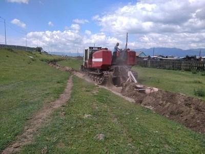 Изкопаният двоен ров около селото. СНИМКИ: ФЕЙСБУК ДОРА ХАМАГАНОВА